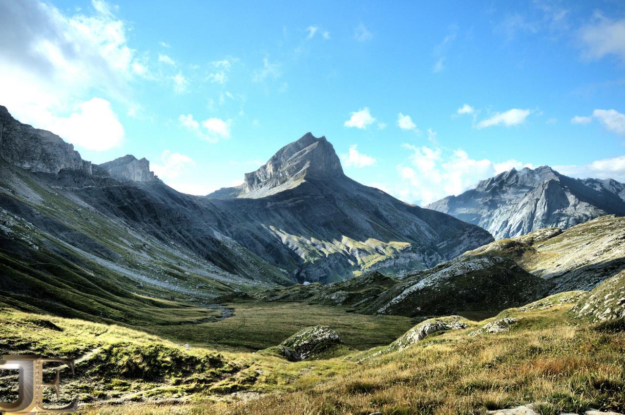 Le vallon de Mié et le Mont-Gond