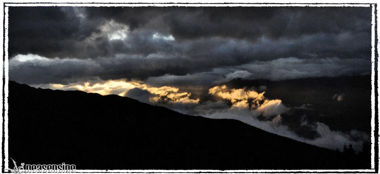 Le soleil se lève à l'est