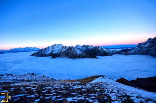 Le massif du Muveran à la pointe du jour