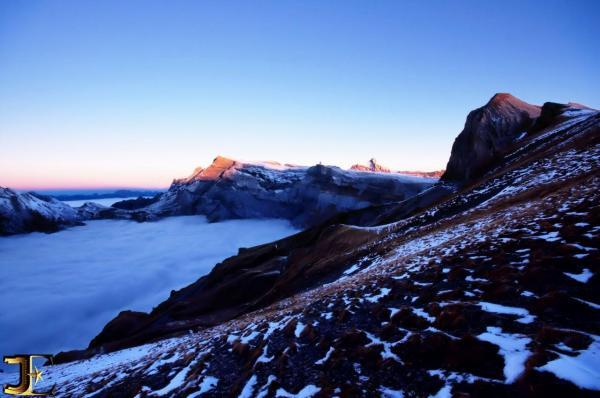 Caresse matinale sur les glaciers des Diablerets